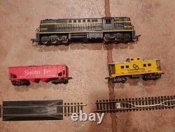 GILBERT AMERICAN FLYER HO TRAIN 31022 Chesapeake Train Set with Tracks & Caboose