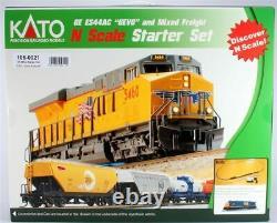 KATO 1060021 N CSX ES44AC Diesel & Freight Starter Set (Track, Train & Power)
