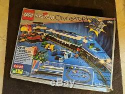 LEGO 9V Train Railway Express (4561) with EXTRA 9V Track
