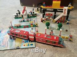 LEGO town 6399 Airport Shuttle Monorail with instructions and extra tracks