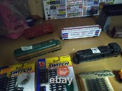 LOT#77 HO SCALE TRAIN SET 3 ENGINES, 45track, 6 cars, power pack&more