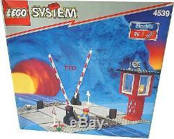 Lego 4539 Train 9 V Track Manual Level Crossing Sealed NEW IN BOX B31
