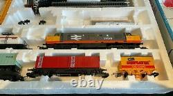 Lima British Rail Class 37 Railfreight Train Set with Wagons, Track & Control