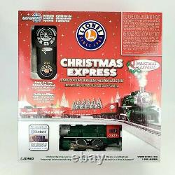 Lionel 6-82982 Christmas Express Train SetLionChief 2017 Bluetooth + 2 Tracks