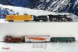 Märklin Deluxe Southern Pacific Train Starter Set Track, Controller, Buildings