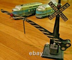 Marx Baltimore & Ohio Diesel train set with 2 switches, crossing gate, track