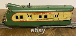 Marx M10000 Union Pacific Electric Streamliner TRAIN SET GREEN AND CREAM TRACK