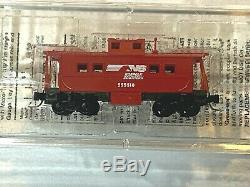 Micro Trains Z Scale 6 CarTrain Set with Rokuhan Power Pack