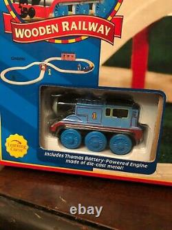 Thomas & Friends Wooden Railway Battery Powered Figure 8 Set Sealed Rare NEW