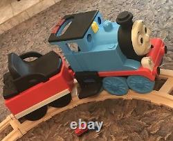 Thomas Ride On Train with set of tracks