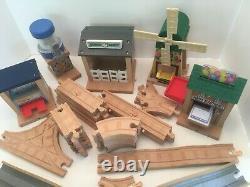 Thomas Wooden Thomas Birthday Surprise Set Tracks Buildings Bridge No Trains