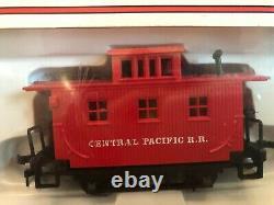 Vintage Model Train set- Union Pacific Loco, Baltimore&Ohio + 10 more cars track