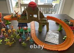 Dinosaur Train Learning Curve Jim Henson Lot Avec Time Tunnel Mountain Track Set