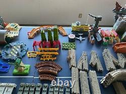 Gigantesque Lot De Thomas Trackmaster Sets & Trains 8 Sets, 400 Track, 50 Cars ++