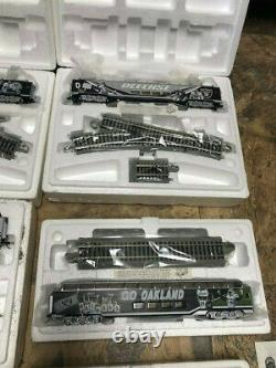 Hawthorne Village Oakland Raiders Football NFL Train Set 8-pc Avec Track (nouveau)