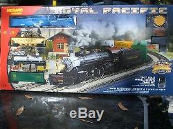 Ho Ihc Conrail Gg-1 Frt. Train Set P. R. R / Ihc Gg-1 & 4 Cars Track & Paquet