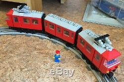 Lego 7725 Train De Voyageurs (complet), Ainsi Que Beaucoup De Voies Et Transformateur