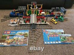 Lego City Cargo Train (60052), Station (60050) Et Voie Droite Supplémentaire (7499)