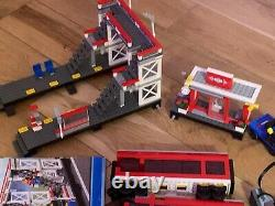 Lego Trainsets Chantier Y Compris Gare, Trains Multiples, Environ 180 Pièces De Voie