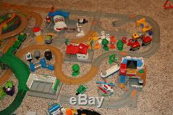 Lot # 3 Énorme Fisher Price Geotrax Train Trains Bâtiments Piste Grand Central