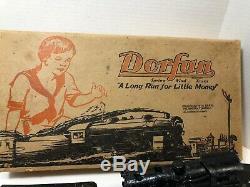 Set Vintage Dorfan Train, 5 Voitures, Moteur Windup A Besoin De Réparation, Piste, Boîte, Pas De Clé