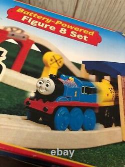 Thomas & Friends Batterie De Chemin De Fer En Bois Powered Figure 8 Set Scellé Rare Nouveau