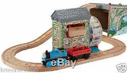 Thomas & Friends Railway Musical Melody Bois Avec Des Pistes Parcourant 1 Train 1 Cargo Nouveau