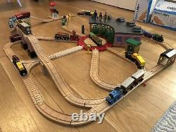 Thomas & Friends Train Wooden Railway Roundhouse Shed Train & Track Set