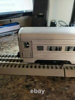 Train D'après-guerre De Lionel Réglé Avec La Voie Rapide Et Le Transformateur