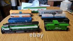 Vintage Tyco Train Set Burlington Engine Ho Scale Trail Cars Controller